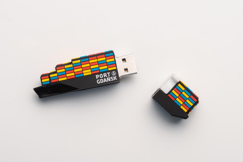 Pendrive USB w kształcie kontenetowca